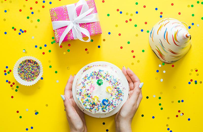 خمس أفكار لهدايا الجدة في عيد الأم من صنع الأحفاد