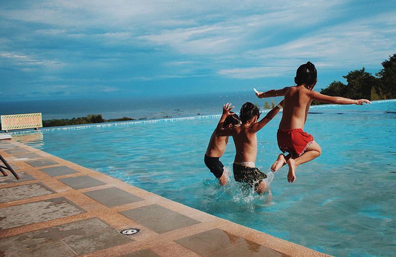 لماذا علينا الادخار للإجازات العائلية أكثر من الإنفاق على شراء الألعاب؟