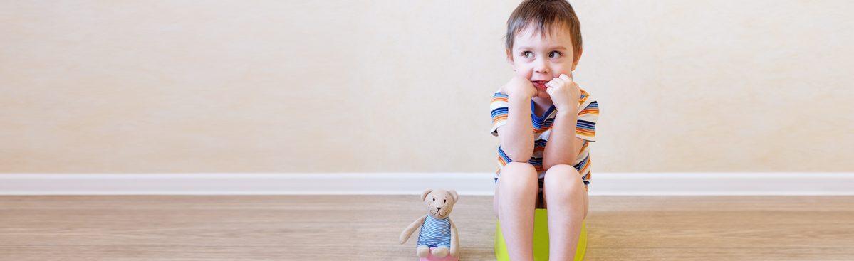 حان وقت استعمال النونية! دليلنا الشامل لتدريب الطفل على استخدام الحمام