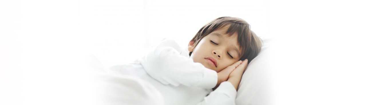 ٧ نصائح لمساعدة طفلك على التوقف عن تبليل فراشه