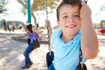 الطفولة المتوسطة: تطور الطفل من عمر ٦ سنوات إلى ١١ سنة