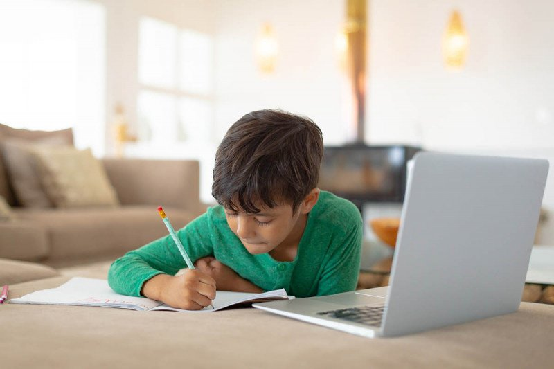 Tips for managing your children's online classes from home