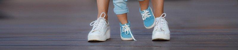 هل يعاني طفلك من تأخر في النمو والتطور أم أنه يسير على وتيرة طبيعية؟