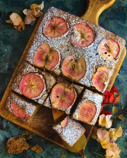 وصفة كعكة التفاح الوردي