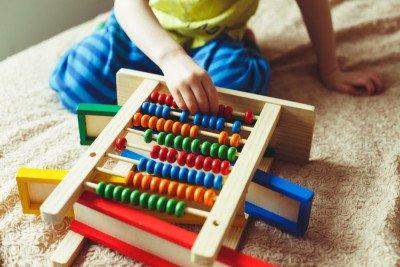 4 مهارات تبني الأساس لدى أطفالكم لتعلم الرياضيات