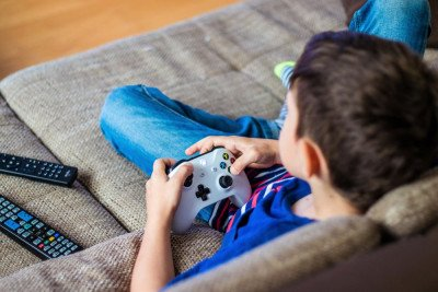 إيجابيات الألعاب الإلكترونية ومضار الإدمان عليها
