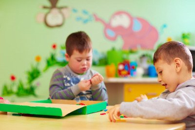 كيف تهيئين طفلك من ذوي الاحتياجات الخاصة للدمج المدرسي؟