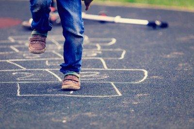 نشاطات ممتعة للأطفال من ذوي الاحتياجات بعيداً عن الشاشات