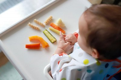 8 نصائح لفطام الأطفال الرضع