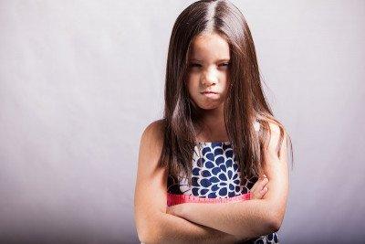 10 أساليب للتعامل مع الطفل العنيد