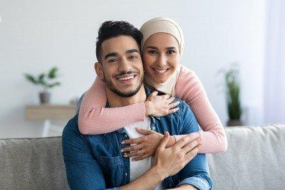 26 عبارة يجب أن يقولها الزوج لزوجته