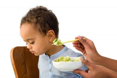 6 نصائح لتشجيع الطفل على تناول الخضروات