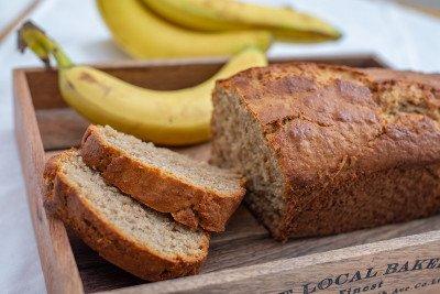 وصفات لتحضير رغيف الموز الشهي بسكر وبدون سكر