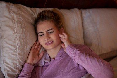 أسباب مشكلة صرير الأسنان وطرق علاجها