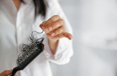 هذا ما تعلمته لحماية شعري من التساقط فترة الرضاعة الطبيعية