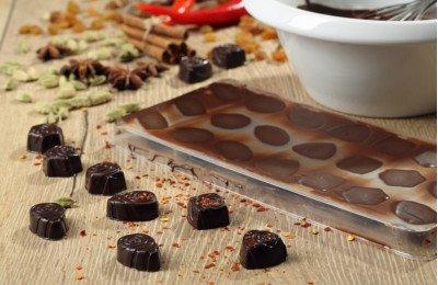 استمتعي بتحضير شوكولاتة العيد في المنزل