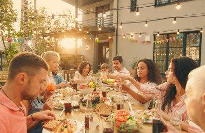 8 أفكار وطرق لتحظوا  بروابط عائلية قويّة