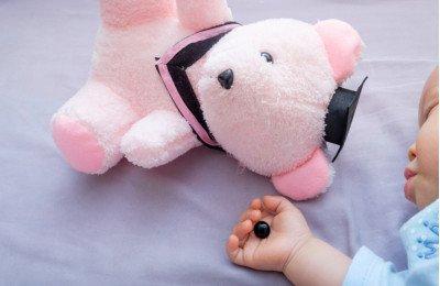 أشياء موجودة في المنزل قد تؤذي طفلك... احذري منها
