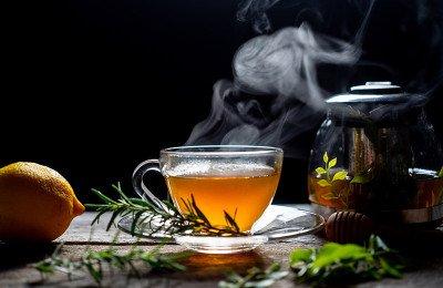 9 أنواع من الشاي للاسترخاء والمساعدة على النوم