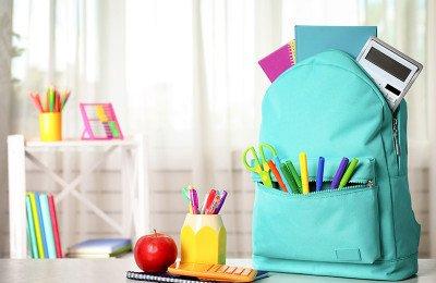 أهم أدوات القرطاسية التي يحتاجها طفلك لكل مرحلة مدرسية