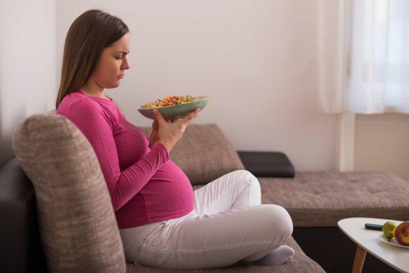 وحام الحمل: أسبابه وكيفية التعامل معه