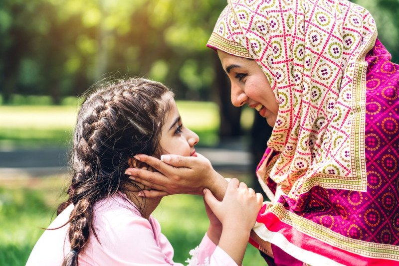 عن التربية الدينية: ابنتي والحجاب