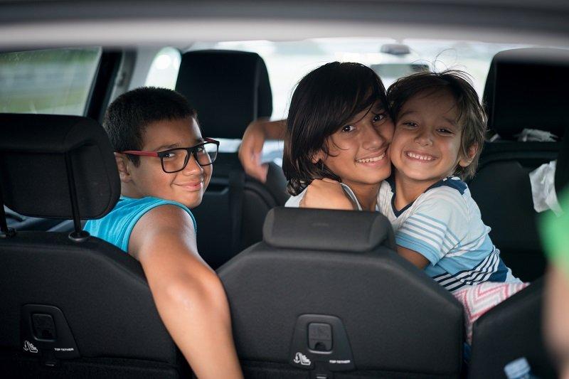 7 أفكار لتسلية أطفالك في السيارة لرحلات البر