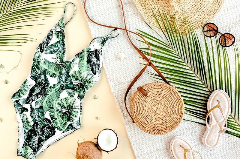 أجمل صيحات ملابس السباحة لصيف 2021
