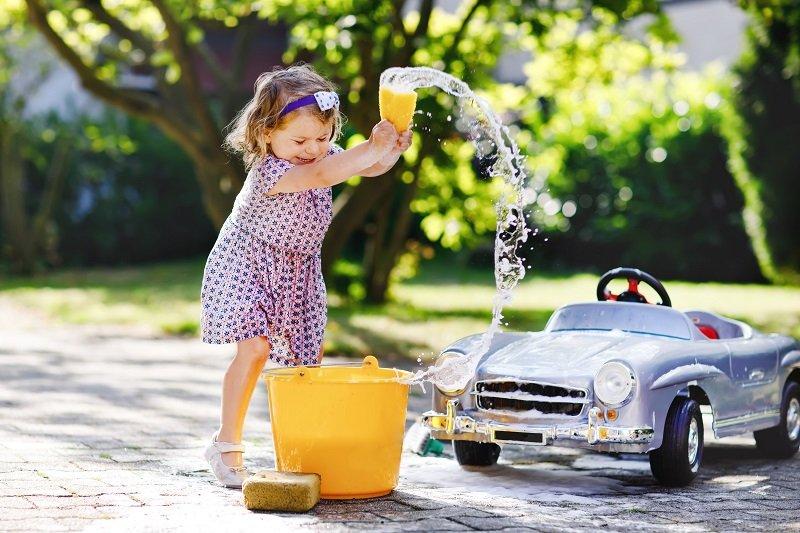 5 أفكار منزلية ممتعة للألعاب المائية للأطفال