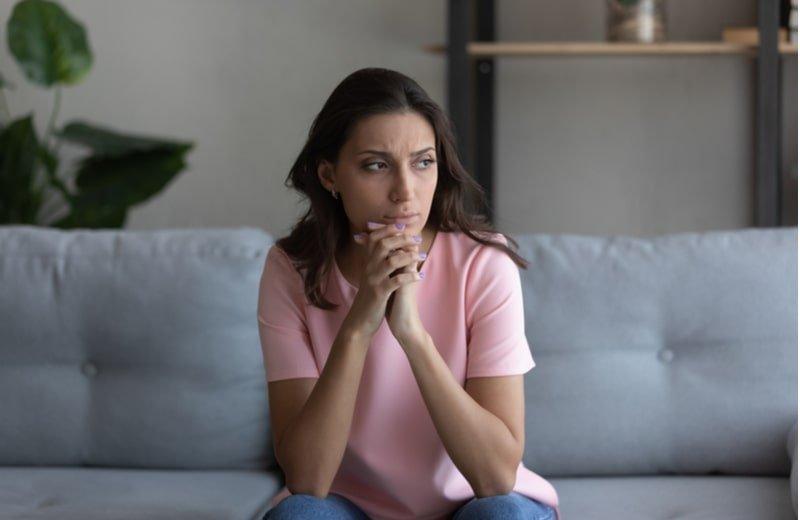 5 صفات تدل على المرأة الشكاكة وكيفية التخلص من هذه العادة