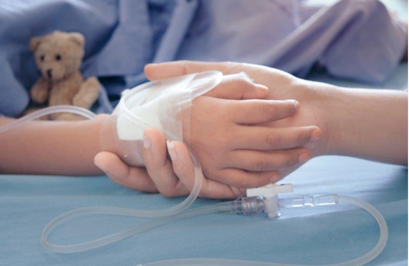 ما قاله طبيب واحد أنقذ حياة طفلي