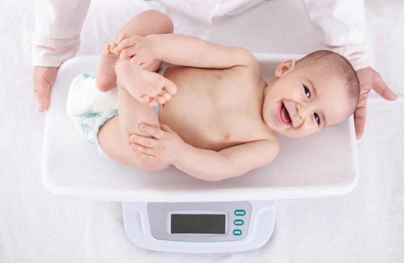 طفرة النمو عند الأطفال في عامهم الأول