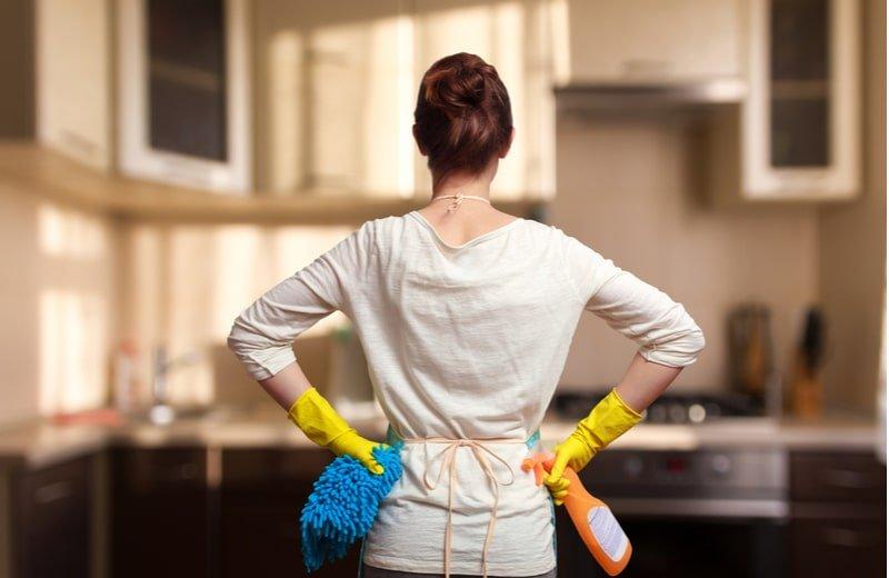 إرشادات للتنظيف العميق لمنزل مشرق في يوم العيد