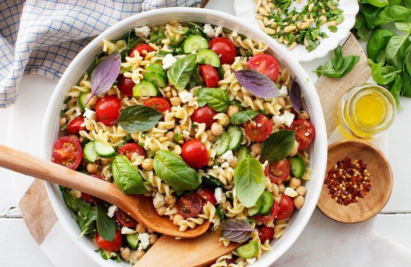 5 وصفات سلطات صيفية شهية