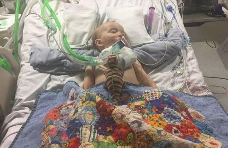 طفل يخضع ل 28 عملية جراحية بسبب شيء موجود في كل منزل