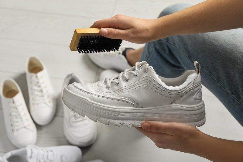 نصائح لغسل الأحذية باختلاف نوعها في المنزل
