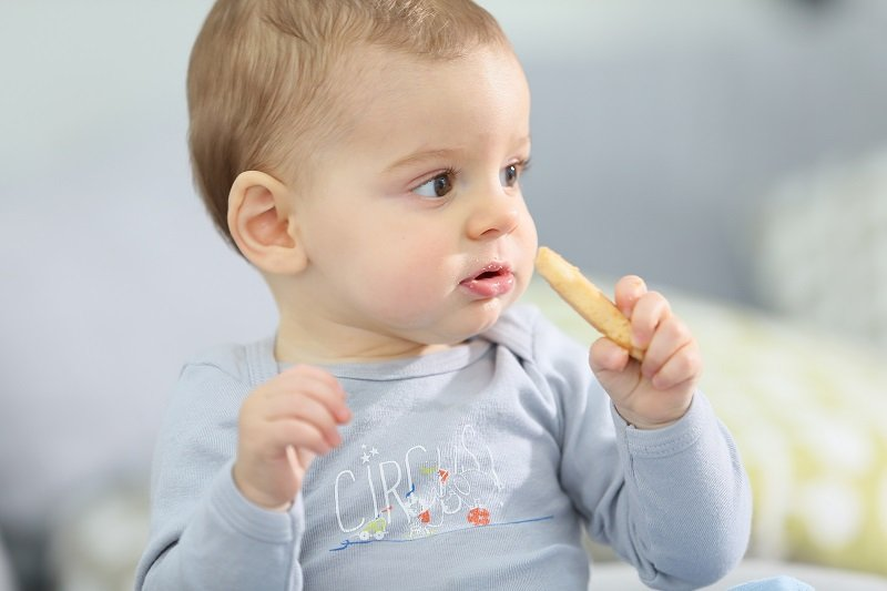 7 أفكار لوجبات طعام طفل في عمر 8 أشهر