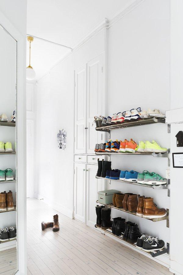 ترتيب الأحذية باستخدام الرفوف
