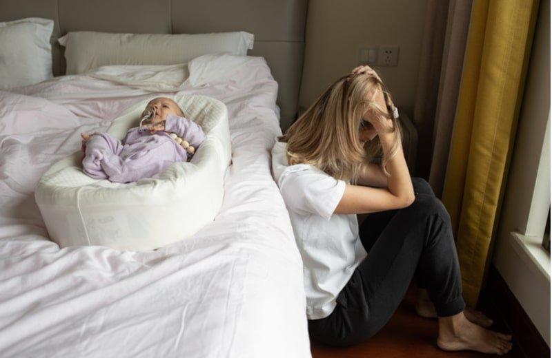 ما لا تعرفينه عن اكتئاب الأم بعد فطام رضيعها