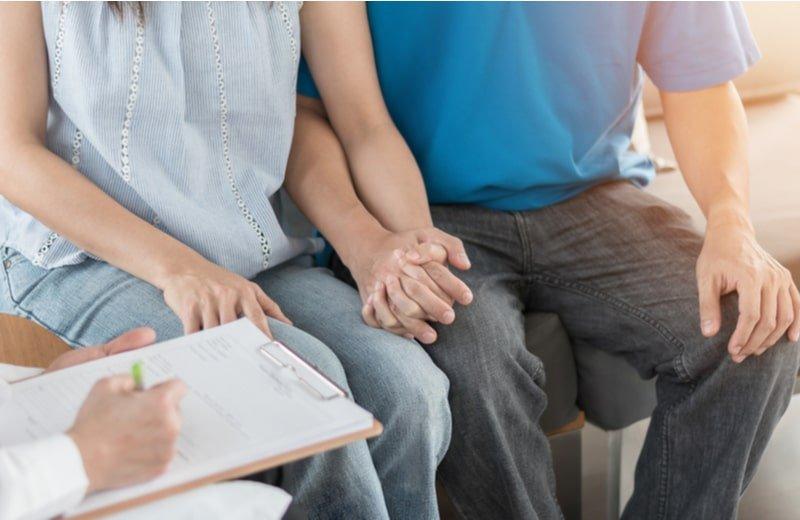 كيف يؤثر الصيام على فرص الإنجاب والخصوبة عند المرأة والرجل؟