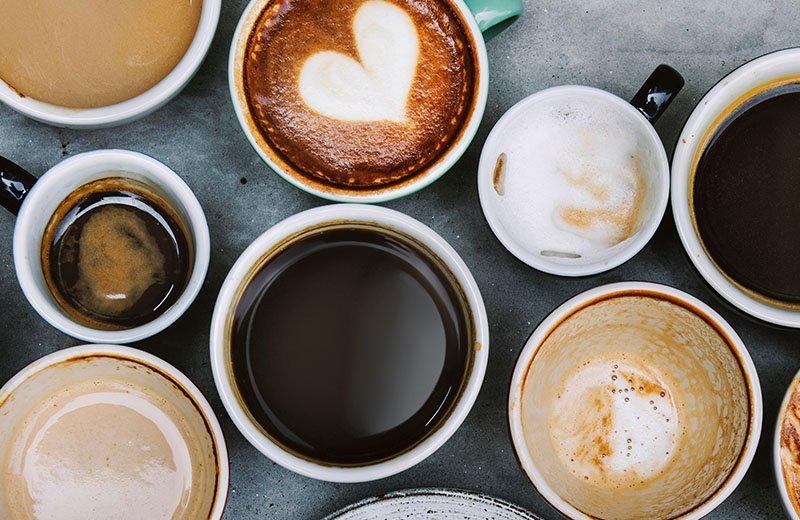 أنواع مشروبات القهوة المختصة وكيفية تحضيرها كالمقاهي