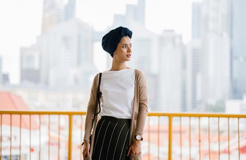 9 طرق عصرية وأنيقة للف الحجاب