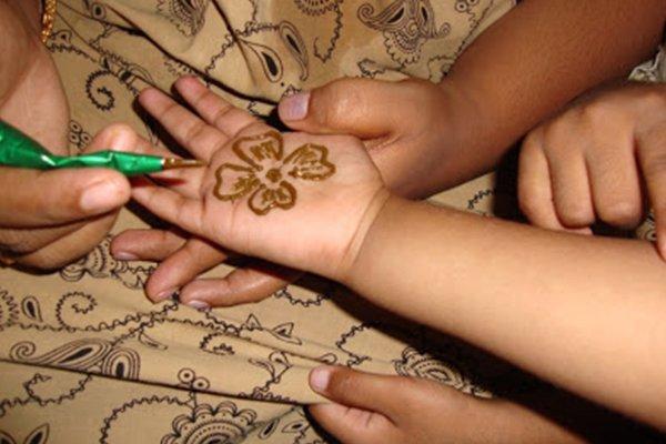 نقش حناء للأطفال